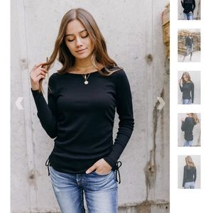 CHASER SHIRRED SIDES CREW NECK TEE